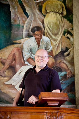 Bjørn Skogstad på prekestolen i Trinity Church, Kandy, Sri Lanka